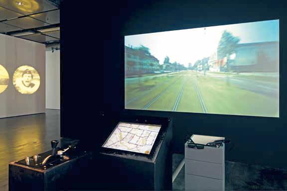 Reinterpretazione di Karlsruhe Moviemap nel 2009. Bernhard Serexhe, ed., Preservation of Digital Art: Theory and Practice: The Digital Art Conservation Project (Vienna: Ambra, 2013), 423.